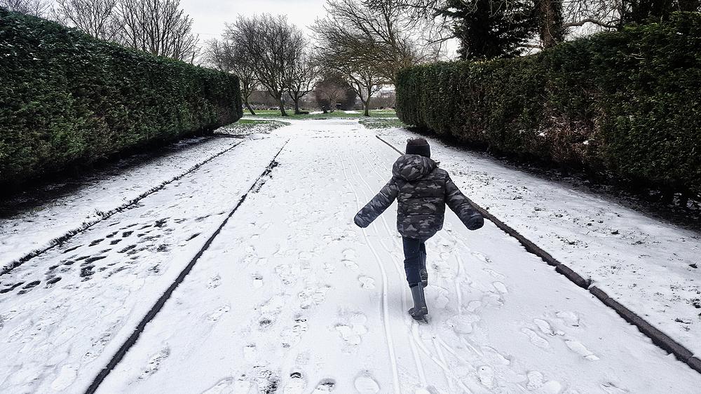 mia sutton snow england