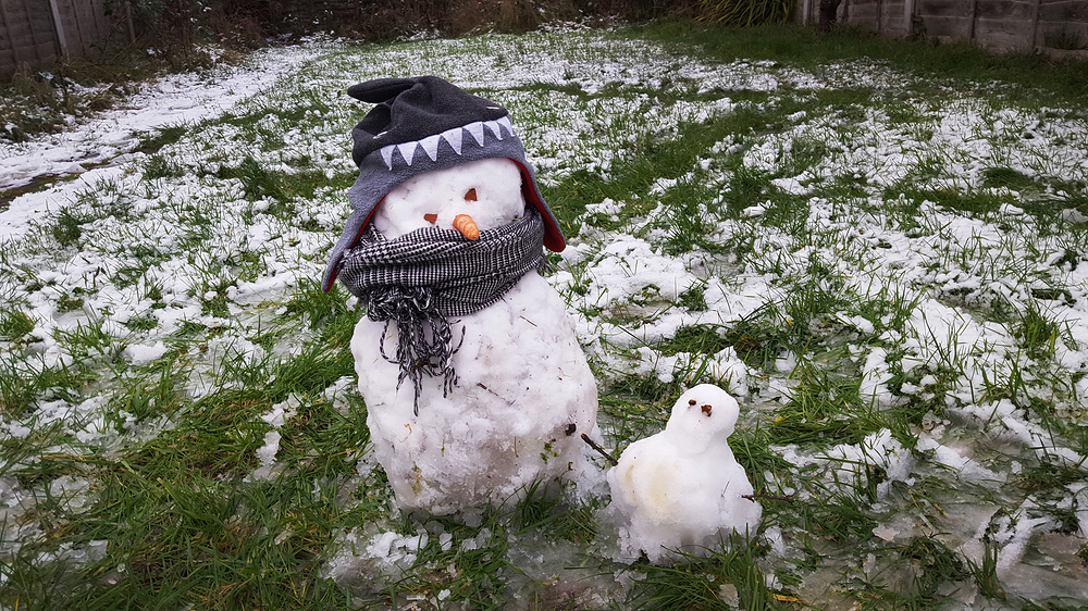 snow england worcester-park snowman