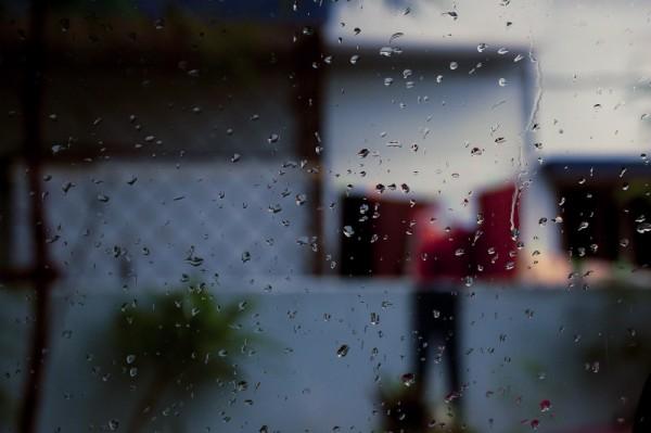 Its starting to rain again!