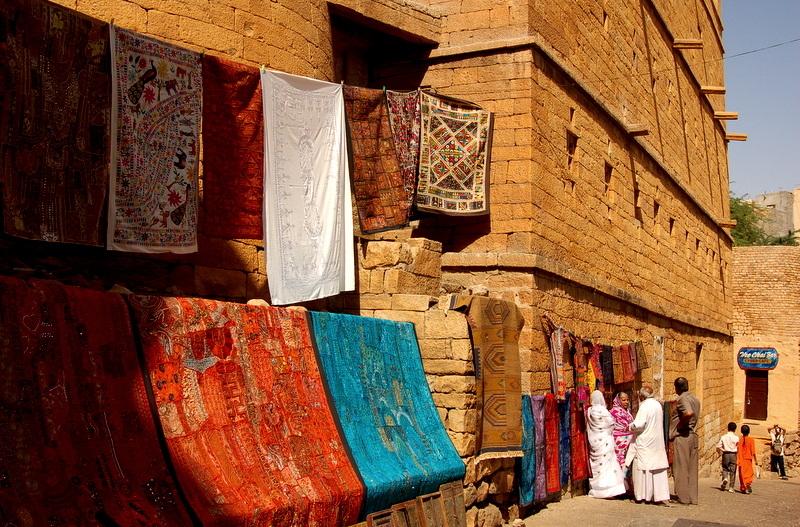 Folklore outside the Jaisalmer fort!