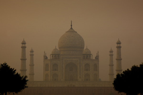 The Mughal in the morning mist!