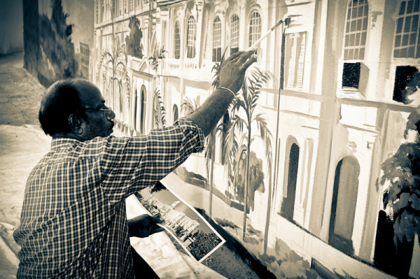 Painting the walls of Madras