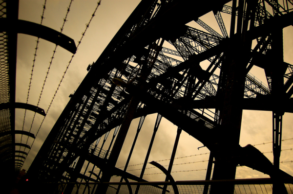 The geometry of the harbour bridge