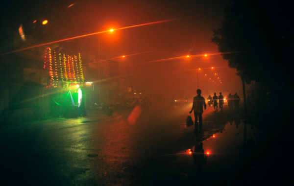Hazy, smoggy streets of Thiruvanmiyur