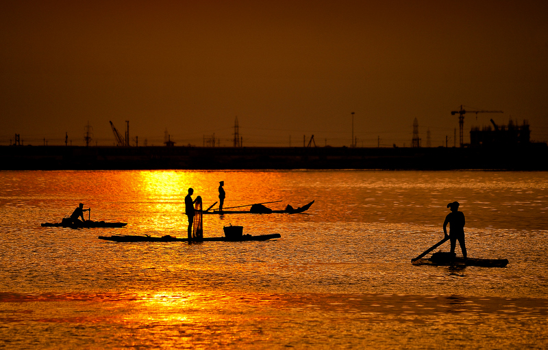 Fishing at the golden waters!