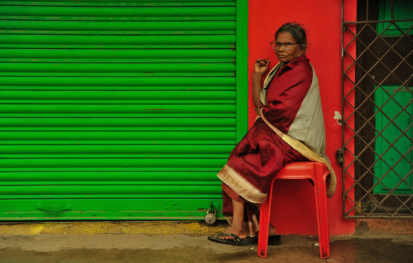 The old woman, the reds and the greens