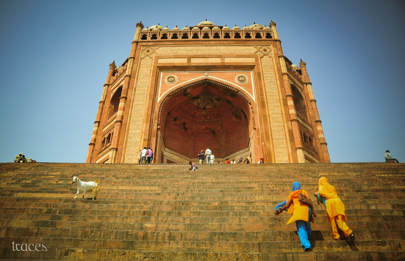 Climbing up the Buland Darwaza