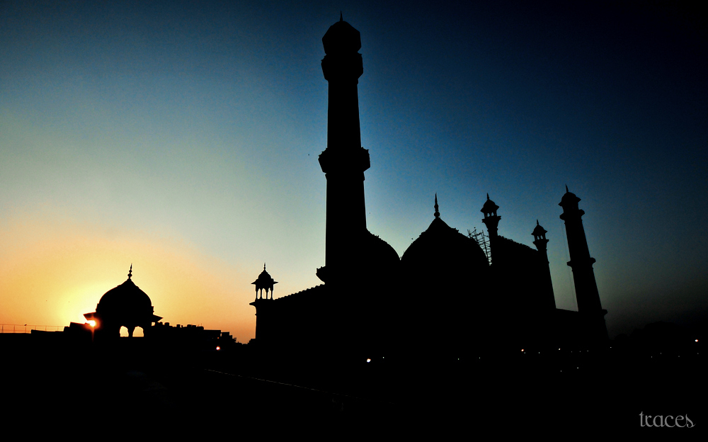 Sunset silhouettes of the masjid!