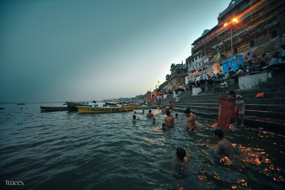 Washing away the sins at the Ganges