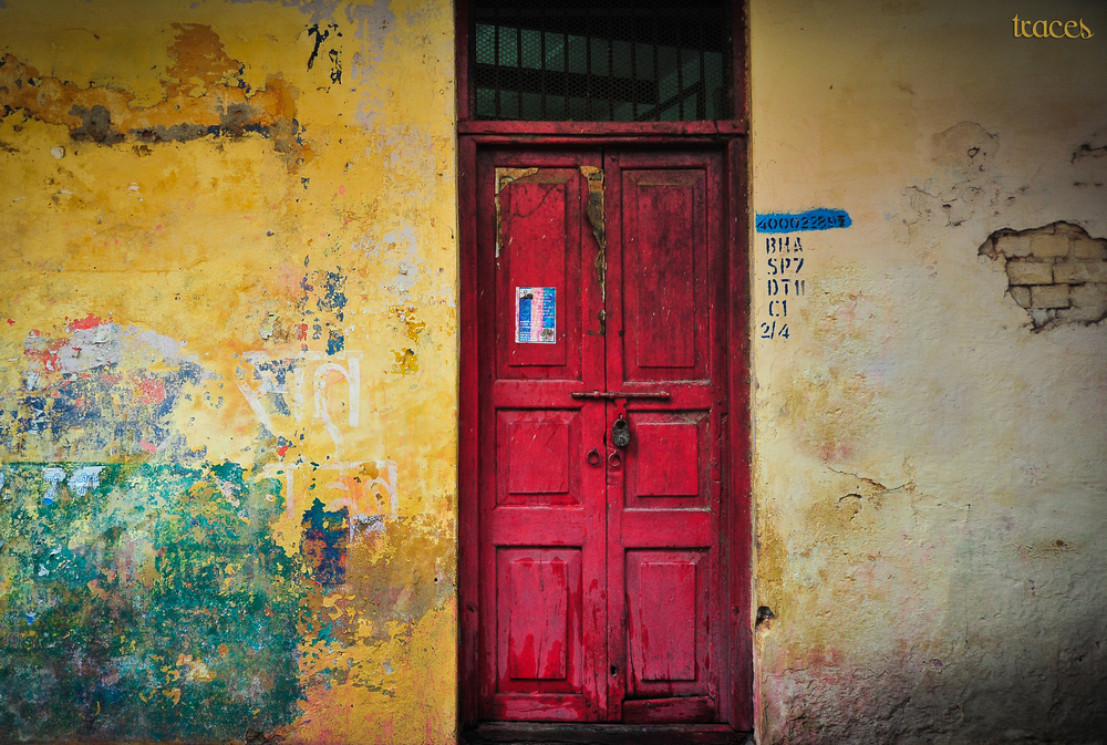 Gully textures of Varanasi
