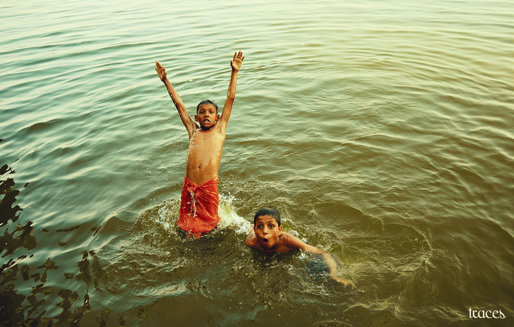 The jump into the Ganges!