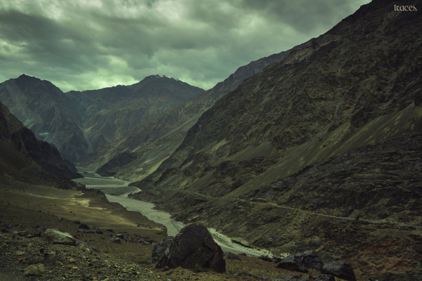 Clouds beckons over Shyok River