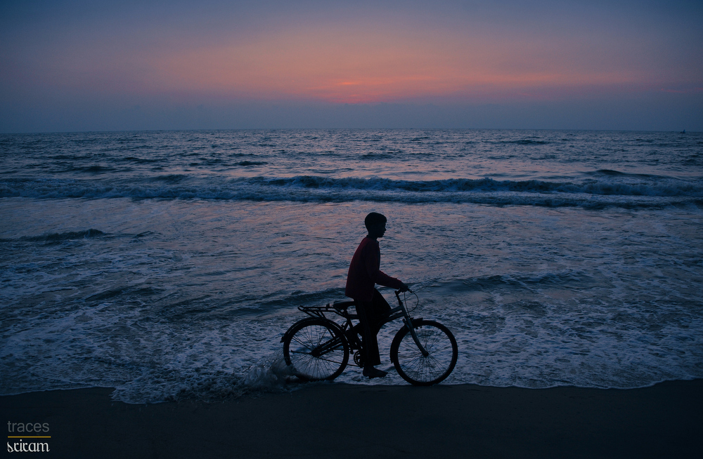 Cycling on the shores