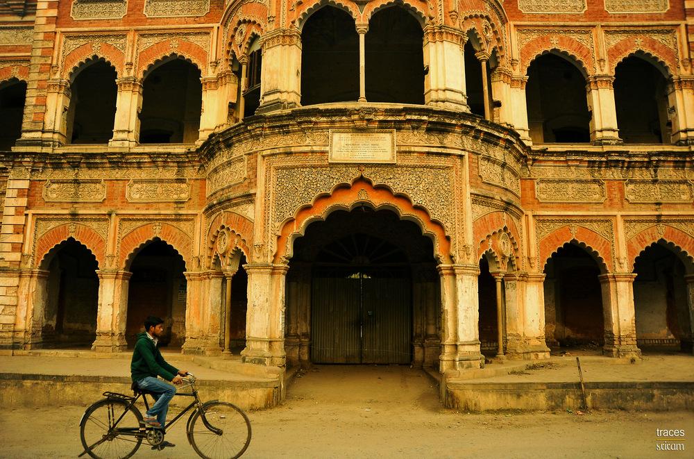 Along the streets of Varanasi
