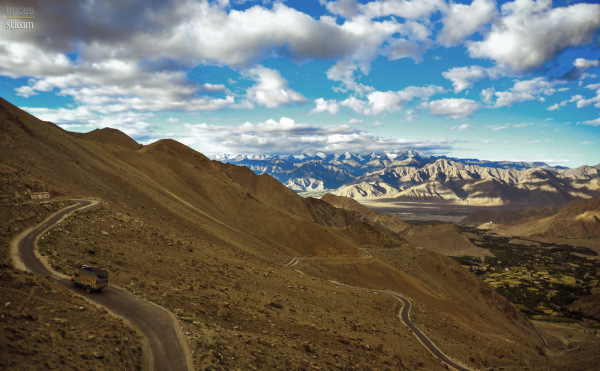 Climbing towards Khardung La