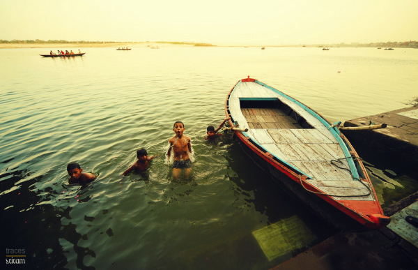 Noon dip at Ganges