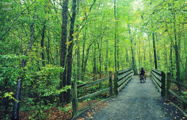 Reservoir biking