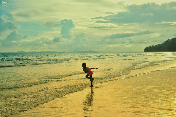 Playing with the Indian Ocean