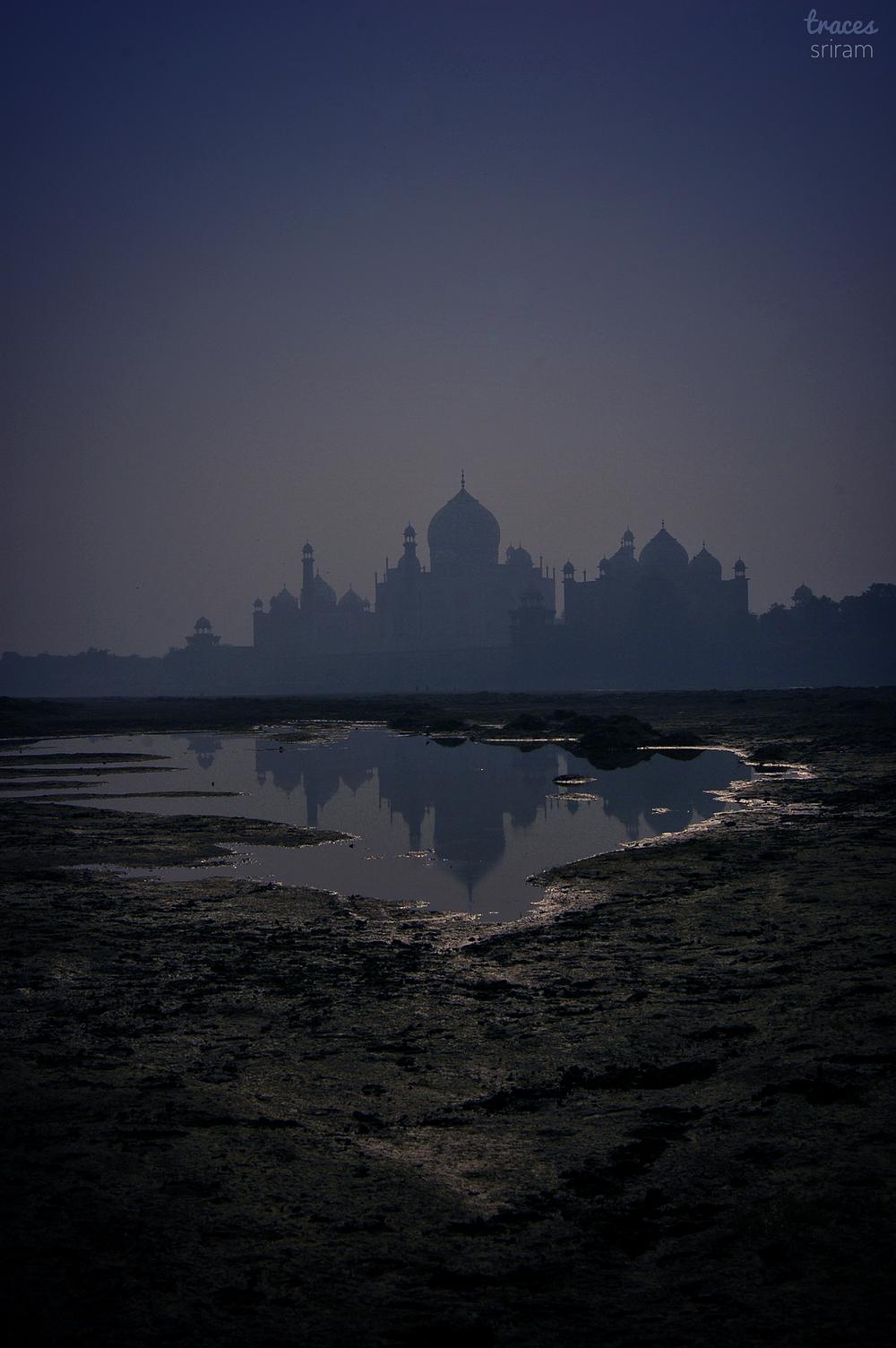 Moody morning at Agra
