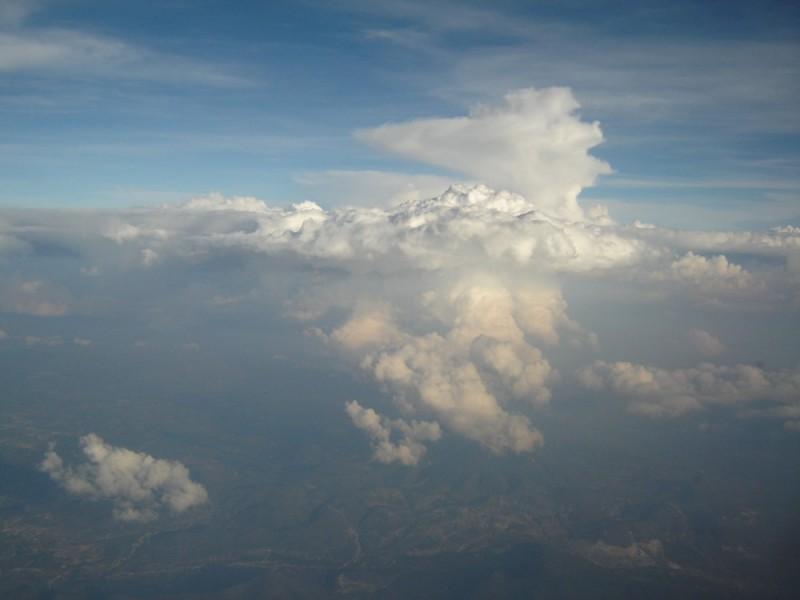 nubes sobre la sierra