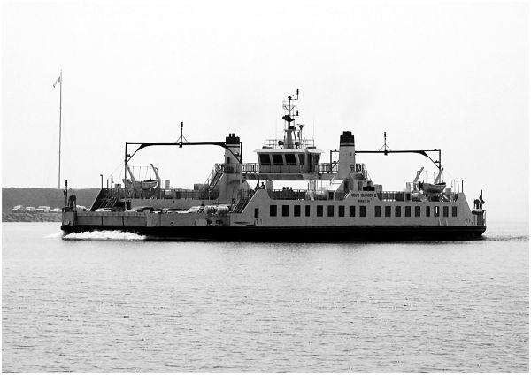 Wolfe Islander III - B&W