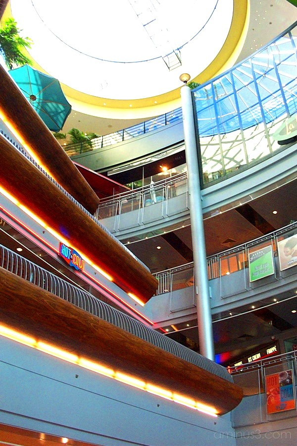 Colors in Mall