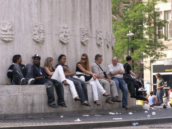 Chilling out in Dam sq. 3