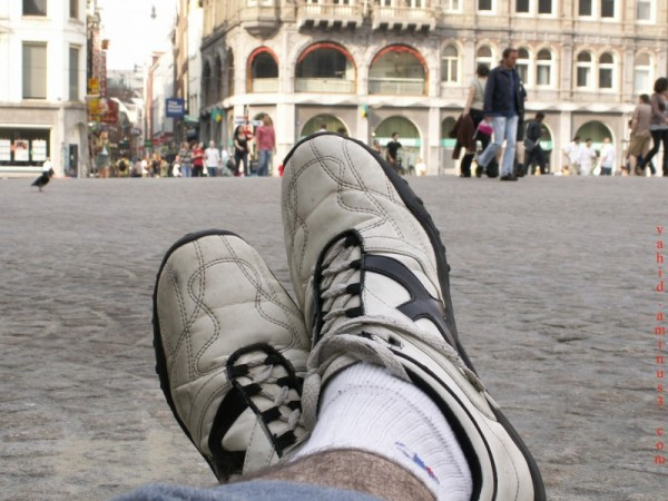 Chilling out in Dam sq. 4