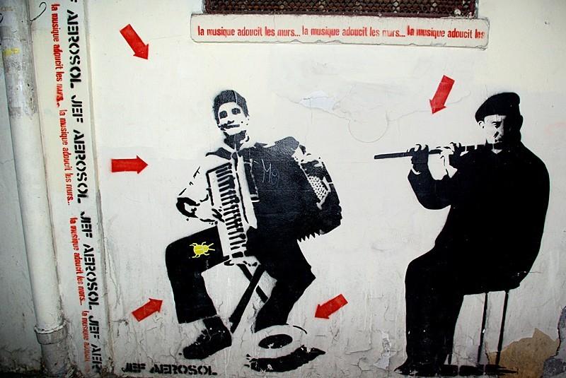 La musique adoucit les murs  de Jef Aérosol