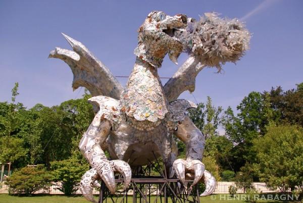 Dragon recyclé au Jardin des Plantes.