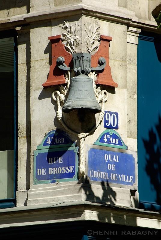 Angle rue Brosse et quai de l'Hôtel de Ville