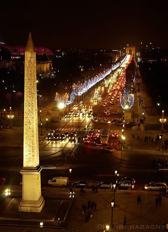 Les Champs Elysées en parure de Noël