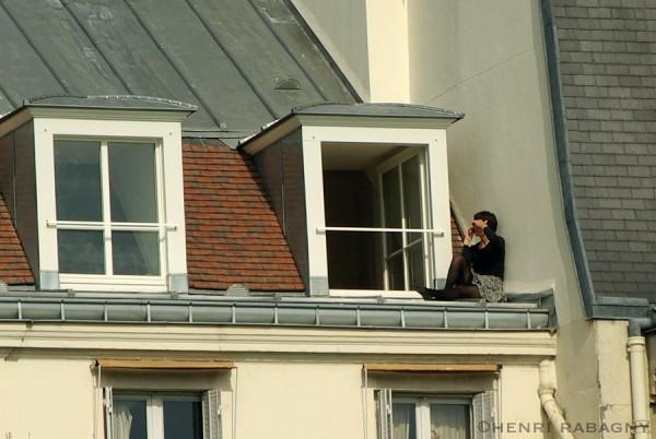 Paris insolite - Téléphone sur les toits.