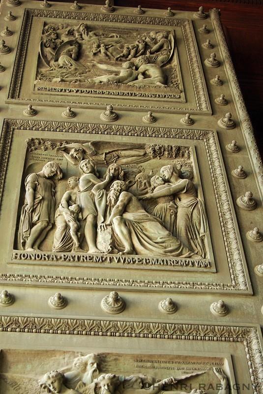 Porte monumentale de La Madeleine
