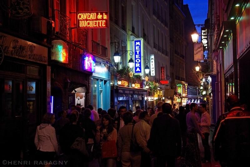 Rue de la Huchette, rue des restos grecs