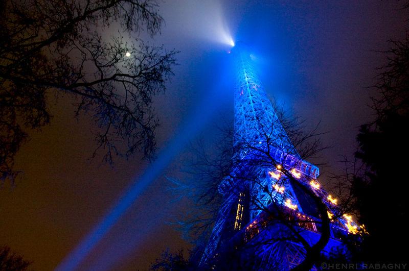 Tour Eiffel aux couleurs de l