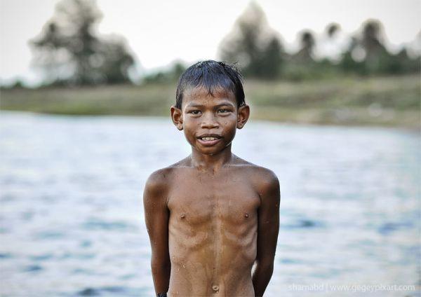 beach boy kid melayu pantai kelantan