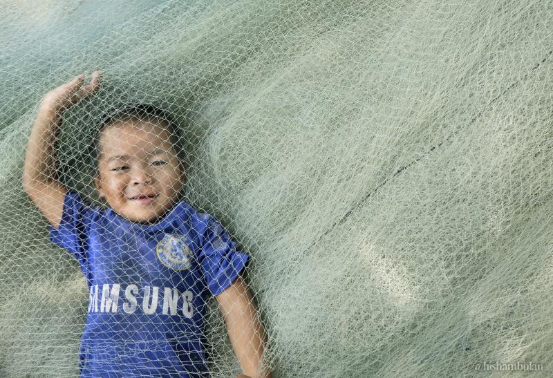 Ki d  & fishing net