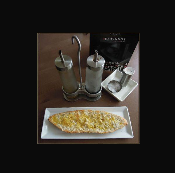 Tostada con Aceite y Sal