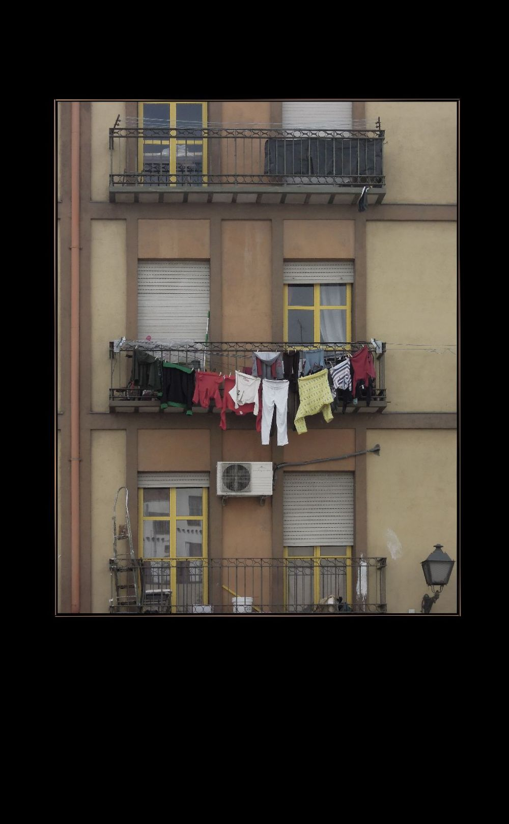 Spanish Way of Drying Clothes