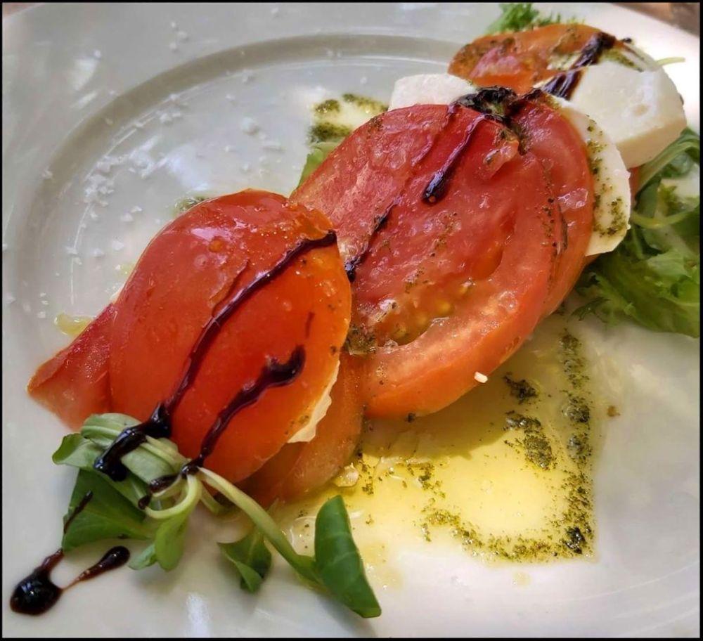 Beefsteak Tomato and Mozzarella Salad