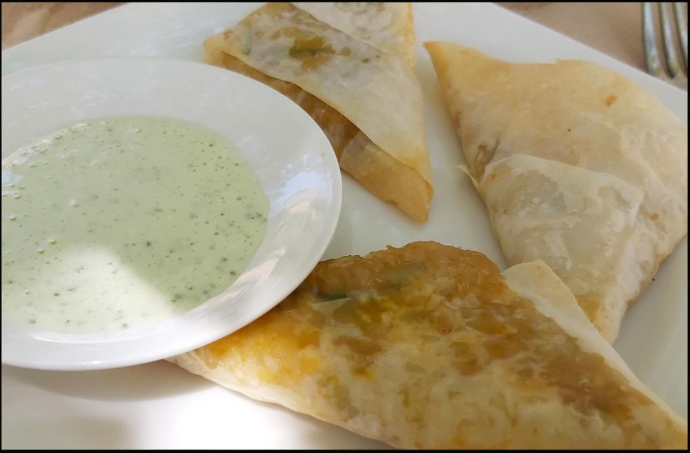 Crispy Chicken Samosas with Yogurt Mint Sauce