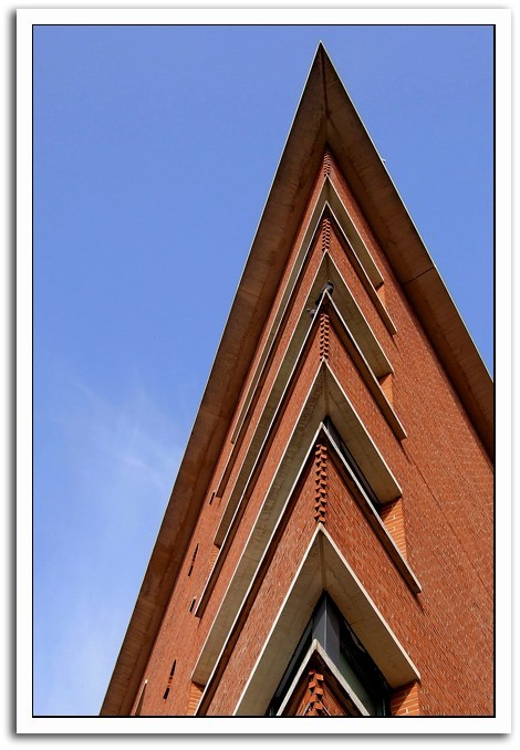 tilt_up view of a building