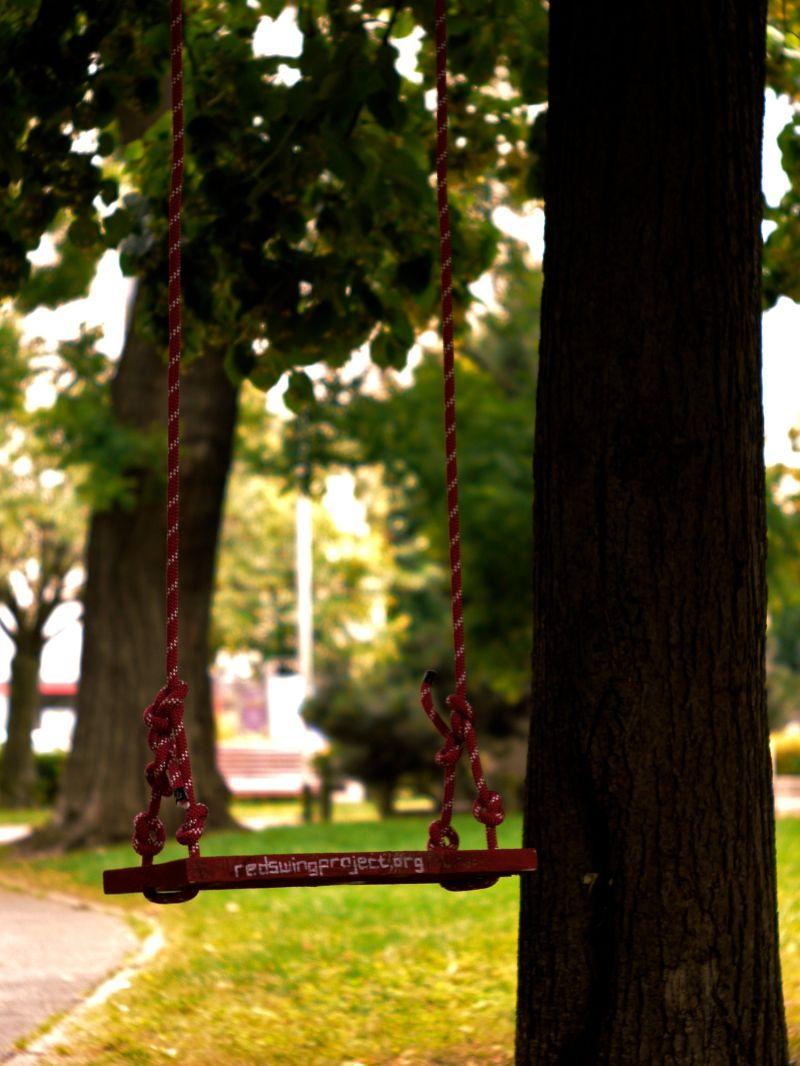 Red Swing 70