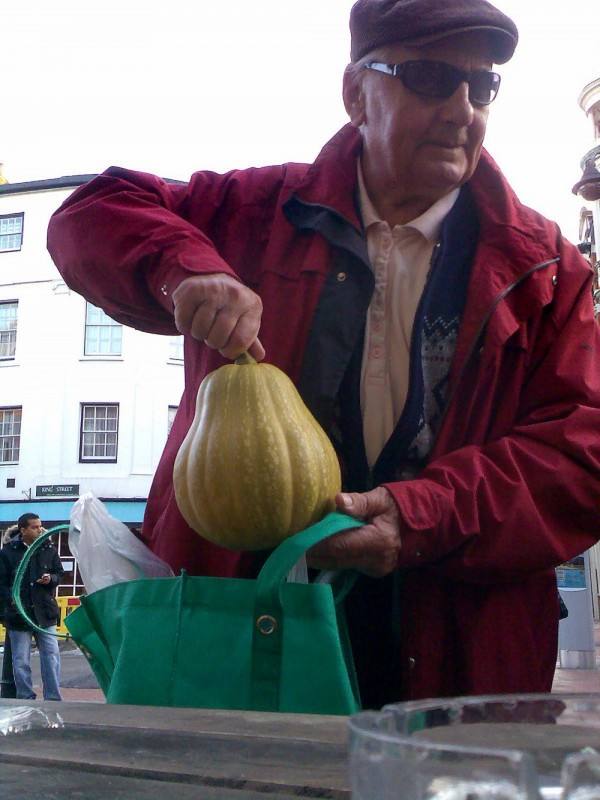 RAYMOND AND HIS SQUASHCOURGETTE