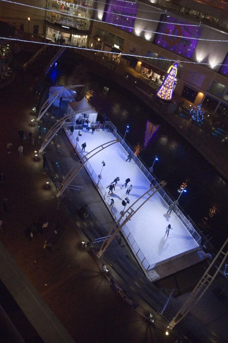 ICE SKATING AT THE ORACLE