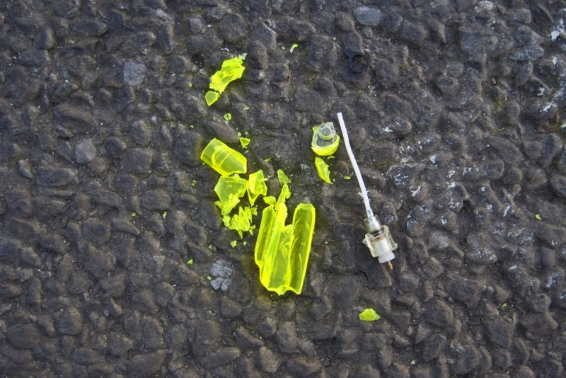CRUSHED FLORESCENT YELLOW DISPOSABLE LIGHTER