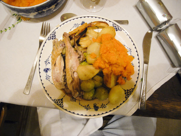 YUMMIE CHRISTMAS LUNCH AT MARY AND GRAHAMSYUMMIE C