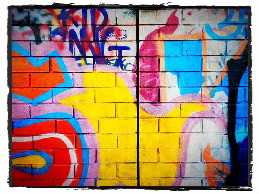 Grafitti on brickwall