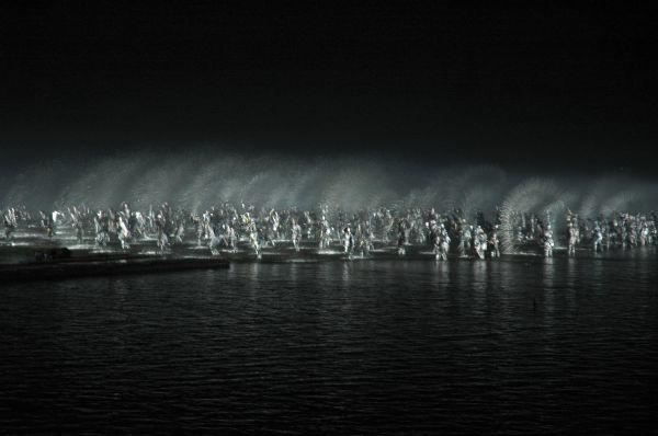 印象西湖(1): Dances on the water